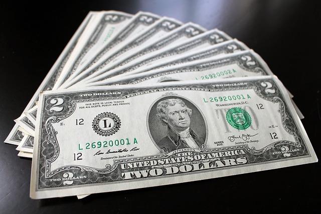 pár dolarovek