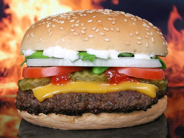 Hamburger servírovaní