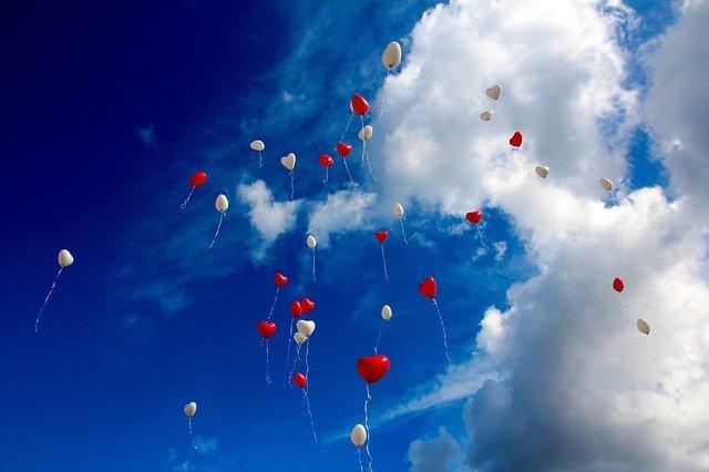 Balony ve tvaru srdcí