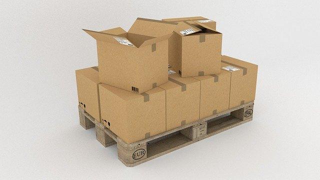 europaleta s krabicemi