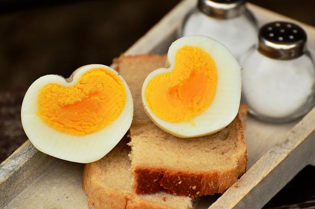 solnička a vajíčka