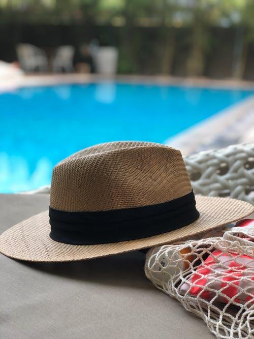 klobouk bazén